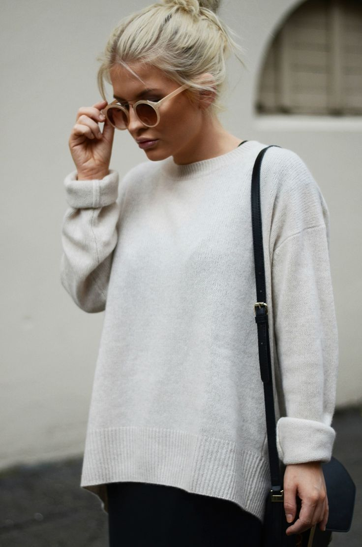 round sunglasses & a cozy knit #style #fashion #fall