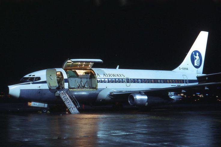 Britannia Boeing 737-204C (Combi) at Berlin Tempelhof, 1971 - wikimedia