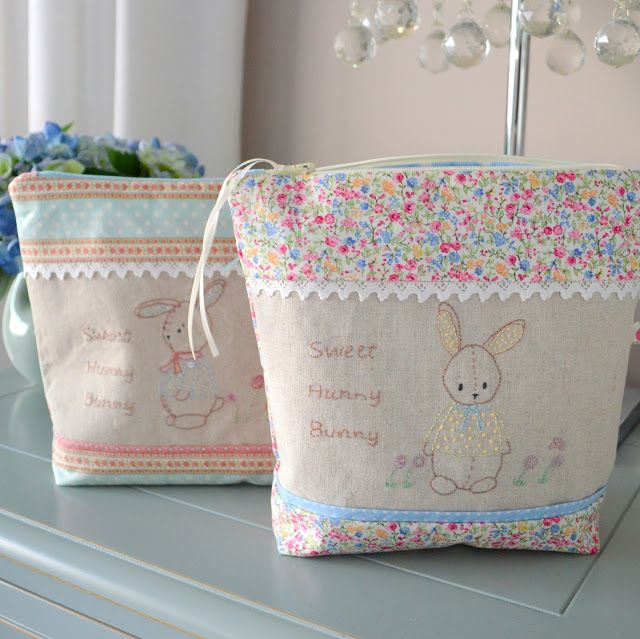 Gee's Projects: Zipper Pouch, Embroidered Toiletry Bag