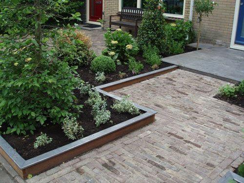 25 beste idee n over verhoogde tuinen op pinterest for Mooie voortuinen foto s