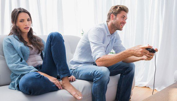 How to Get Your Boyfriend Stop Ignoring You? How to get your boyfriend stop ignoring you? Possible reasons your boyfriend is ignoring you. Things to do when your boyfriend ignore you.