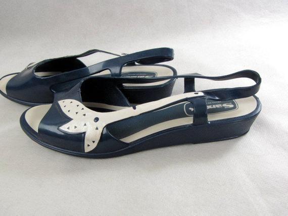 66e36bc9cc6c1 Vintage 70s Blue Plastic Sandals | Slingbacks | Open Toe | Sandak ...