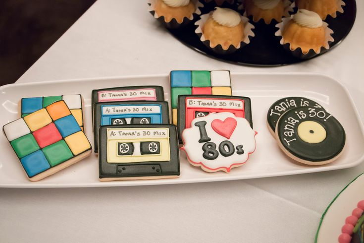Tania's request for her big 30th bash was to pay homage to the 80's through rock and roll icons, dress-up gear and overall party design. This was by far one of my favorite events to put together....