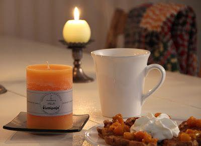 Blogissamme hyggeillään hillaisesti. Tuoksukynttilä hillan ja monet muutkin syysvalikoiman kynttilät löydät nyt verkkokaupastamme ja myymälästämme Wanhalta Pajalta. Tervetuloa ostoksille!  Klikkaa blogiin tästä: