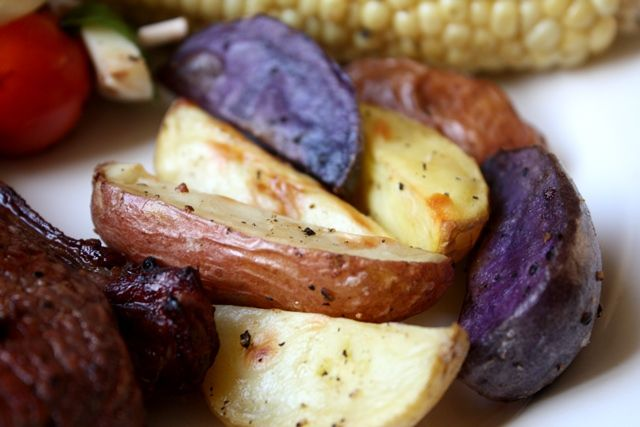 Crisp Garlic Oven Fries with Purple Potatoes recipe by Barefeet In The Kitchen