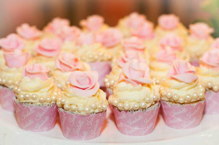 Saia para Mini cupcakes personalizada com o nome de seu filho(a). <br>Feita com papel alta alvura 180g, recorte eletrônico. <br>Valor referente a cada unidade. <br>Pedido mínimo de 30 unidades. <br> <br>Caso tenha interesse por tamanho de cupcakes tradicional o valor fica R$1,20 cada. <br> <br>Entregas para todo Brasil.