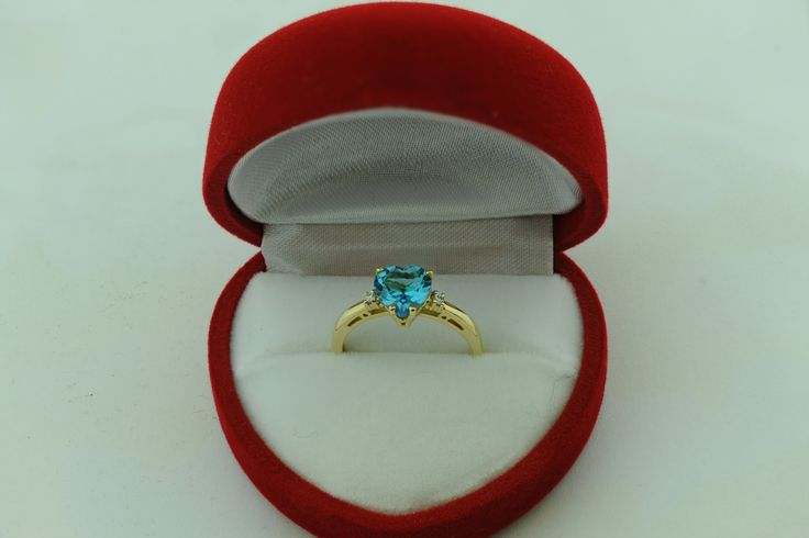 Beautiful!  #ring #engagement #jewellery