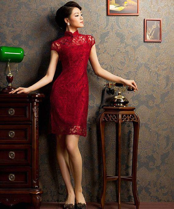 Traditional Chinese Clothing Elegant Lace Cheongsam