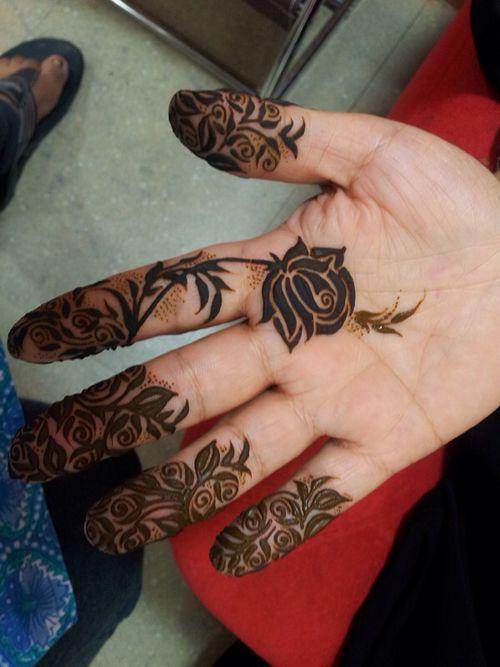 #mehandidesigns2014 #latestmehandidesigns #mehndidesign2014 #latestmehndidesigns2014 #Pakistanimehndidesigns #bridalmehndi http://www.fashioncentral.pk/blog/2013/08/09/mehndi-designs-for-eid-ul-fitr-2013/