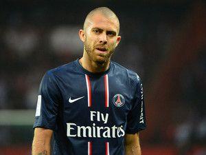 J'ai lu l'article PSG : Jérémy Ménez convoqué pour avoir insulté un arbitre sur http://www.closermag.fr/people/people-francais/psg-jeremy-menez-convoque-pour-avoir-insulte-un-arbitre-150967