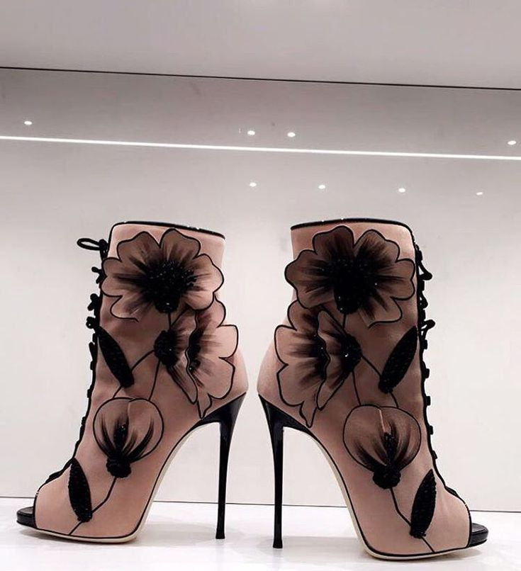 "224 Likes, 7 Comments - Heel My Soles (@heelmysoles) on Instagram: ""We're still on a heel high from the @giuseppezanottidesign flagship store opening!   Check out…"""