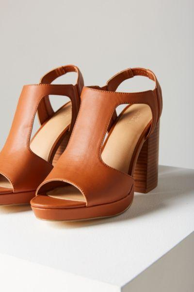 Valerie Heel - Urban Outfitters