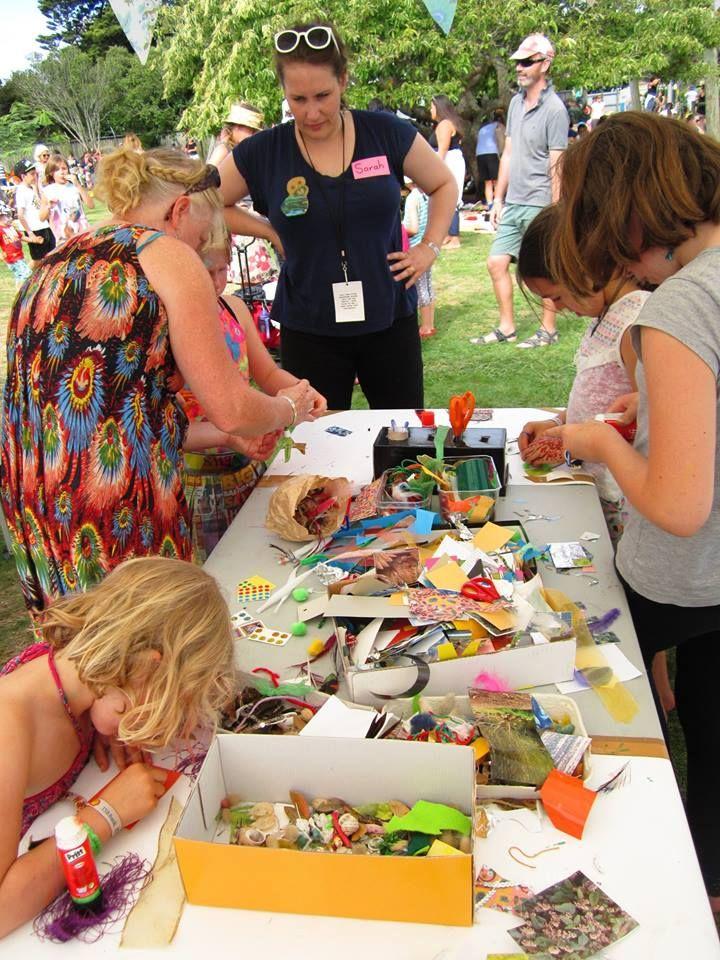 Artist Jennifer Laracy Jewellery and Designer takes a badge making workshop at  WOMAD Kidzone.    #WOMADnz #JenniferLaracy #Aritst #JewelleryDesigner #JewelleryArtist #WOMAD2016 #jenlaracy @jenlaracy #badges #kidzone #workshop #art #kids #fun #craft