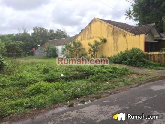 SPESIFIKASI : - Luas Tanah : 616 m2 - Lebar Depan : 19 m - Legalitas : SHM  Harga Per Meter : Rp. 2,75 Juta / m2  Yasmin PropertyToday : 0877 1722 1999 >>>>>>>> : 0812 2988 7736   PropertyToday Inc. Berpengalaman 14 tahun melayani pasar jual beli properti di Indonesia. Layanan opsional: - Konsultan Marketing Properti - Konsultan Developer - Konsultan Arsitek - Kontraktor Bangunan  - Jasa Penjualan Properti