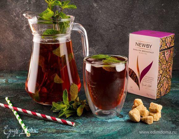 Гранатовый чай с мятой. Ингредиенты: чай черный, гранатовый сок, сахар коричневый