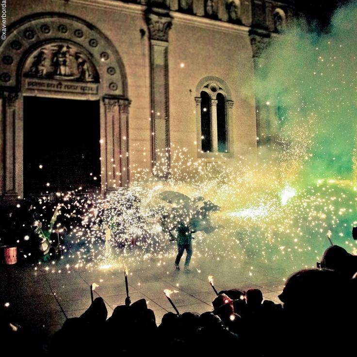 Sent de Mataró, no podran faltar fotos de la nostra festa major: Les Santes (ball de dracs).