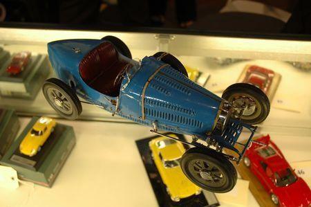 monogram model kits bugatti