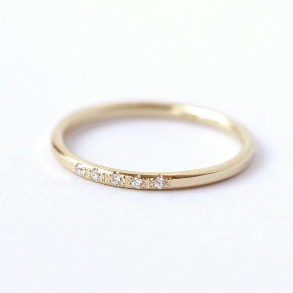 14k Gold Ring - Dünne Diamant-Hochzeit Ring von Luna Jewelry auf DaWanda.com