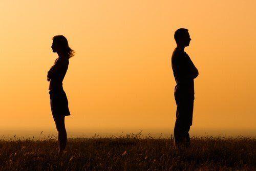 Eine Beziehung zu beenden ist eine Entscheidung, an die wir uns für immer erinnern werden, egal ob sie richtig war oder nicht. Wie wird sie getroffen?