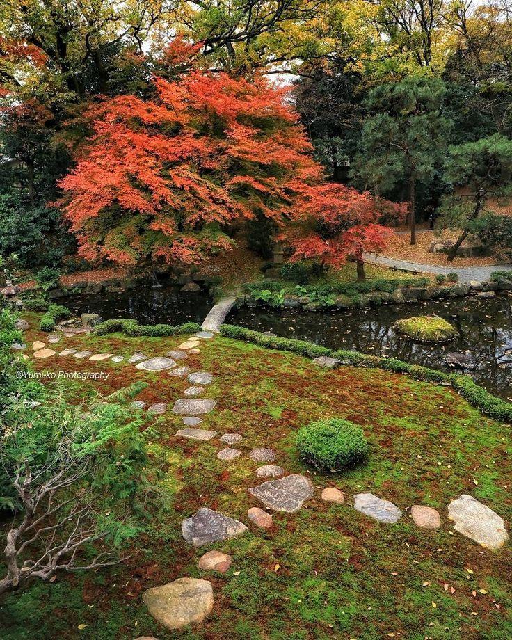旧三井家下鴨別邸🍁 . これは昨年の写真です。 主屋の二階から撮影。 . ここはたぶん今が見頃かな。主屋の公開は12月5日までとなってます☺ . 今月中旬にはライトアップもやるみたいですね?! . . Location: Kyoto, Japan . #旧三井家下鴨別邸 #下鴨 #京都 #そうだ京都行こう #日本に京都があってよかった #紅葉 #日本庭園 #苔庭 #yumikoの京さんぽ