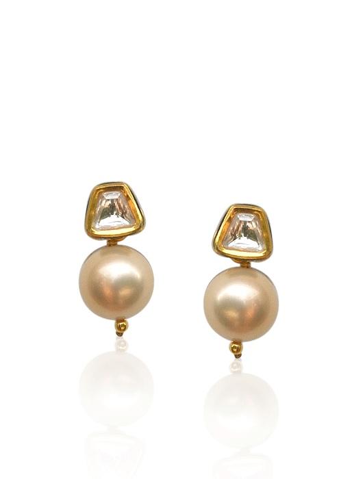 DIVYA CHUGH    Polki cone pearl earring  INR 2100.00