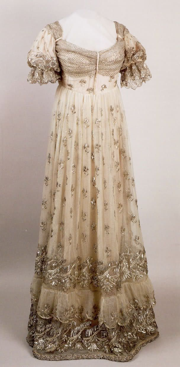 Court dress belonging to the Empress Josephine. After 1810, Musee de ...