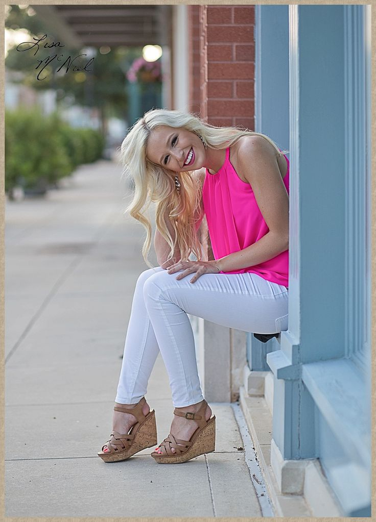 Click the pic for 25 more photos of a beautiful Texas high school senior cheerleader full of spirit and spunk, Flower Mound, Dallas Photographer, hat