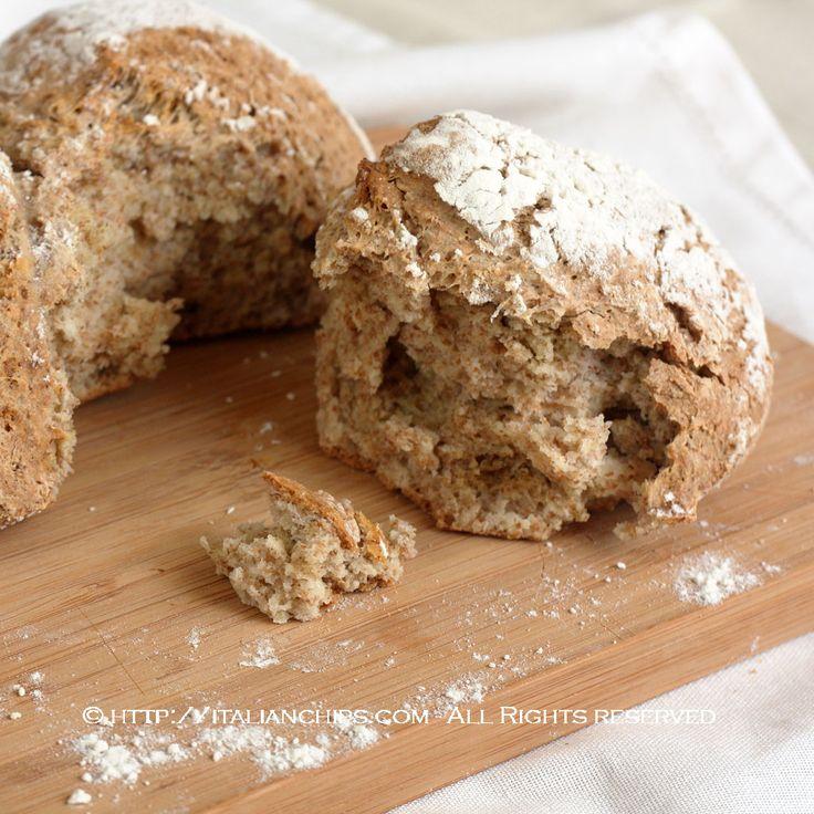 Non avevo ancora visto un pane integrale così facile da fare. Facile e veloce, senza bisogno di essere lavorato nè di lievitare. Sono stata attrata da ques