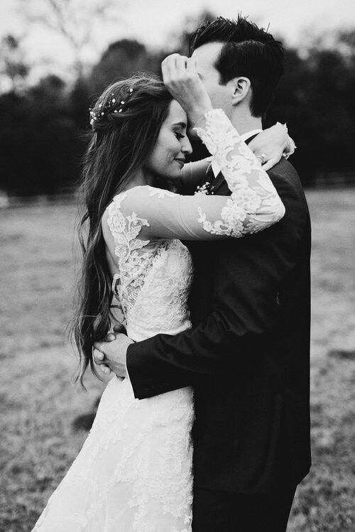 Marcus Johns and Kristin Lauria Wedding ph: Noelle Johnson. Pinterest:  Keti