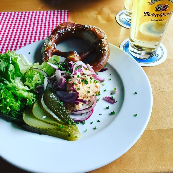When in Munich.��❤️#food #foodie #foodporn #instafood #munich #münchen #bayern #bavaria #ontheroad #travel #travelgram #travelling #drinks #work #hungry #happy #obazda #nomnom #love #lovemyjob #instagood #instadaily #carbs #cheese #beer http://tipsrazzi.com/ipost/1507291379942887414/?code=BTq-YYqgQ_2