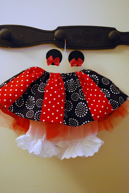 Minnie Mouse DIY Skirt and Ears