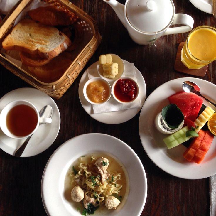 The perfect traditional Balinese breakfast at Alaya Ubud.