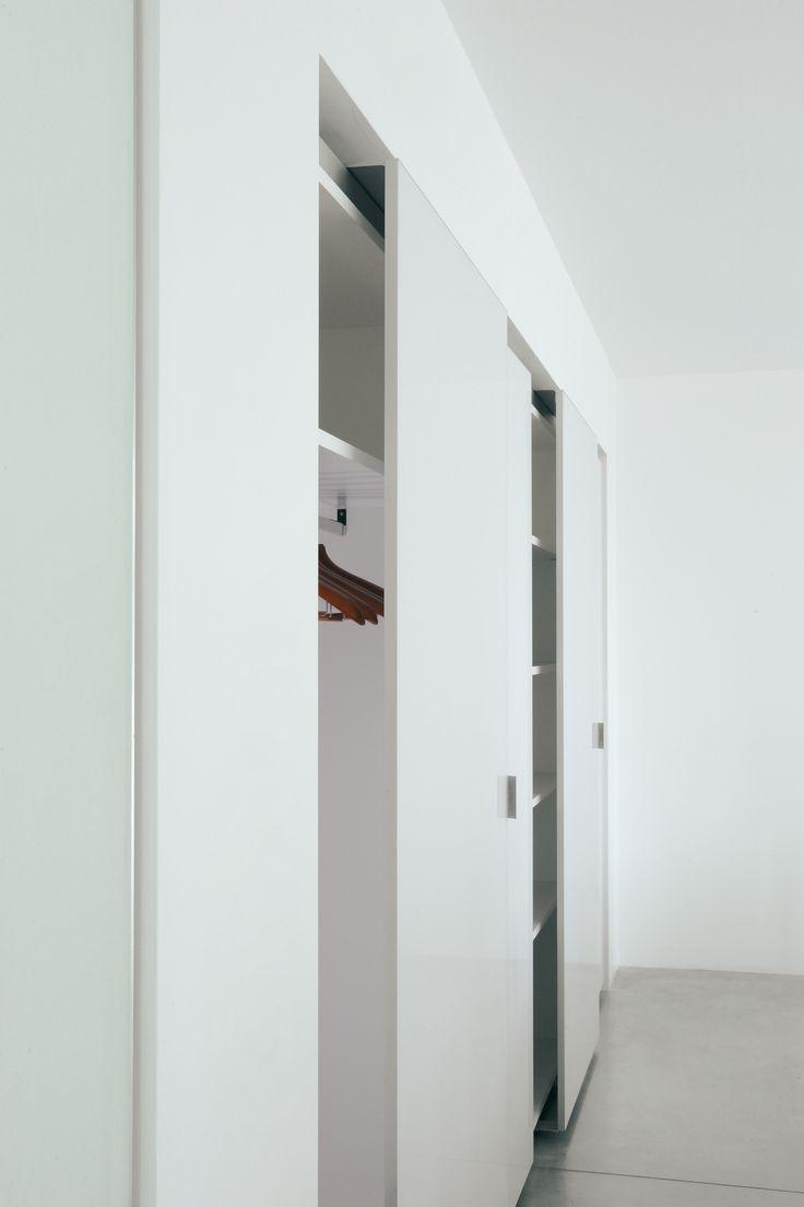 1000 ideas about porte de placard coulissante on - Porte coulissante placard design ...