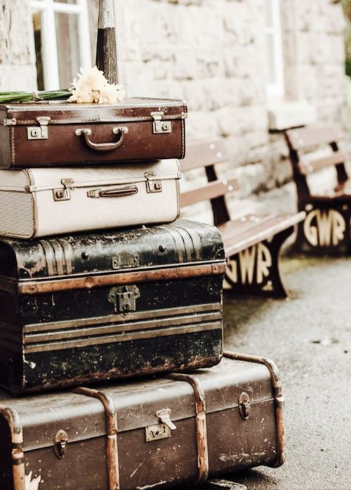 33 best Vintage Suitcases images on Pinterest | Vintage luggage ...