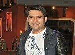 """Kapil Sharma sings for 'Kis Kisko Pyaar Karoon' Comedian and actor Kapil Sharma, who is waiting the release of his debut film """"Kis Kisko Pyaar Karoon"""", says he has sung a few lines for the song """"Bum bum"""" in the film. Kapil, who hosts the TV show """"Comedy Nights With Kapil"""", also tweeted on Monday that he was shooting for the song """"Jugni"""" in the film."""