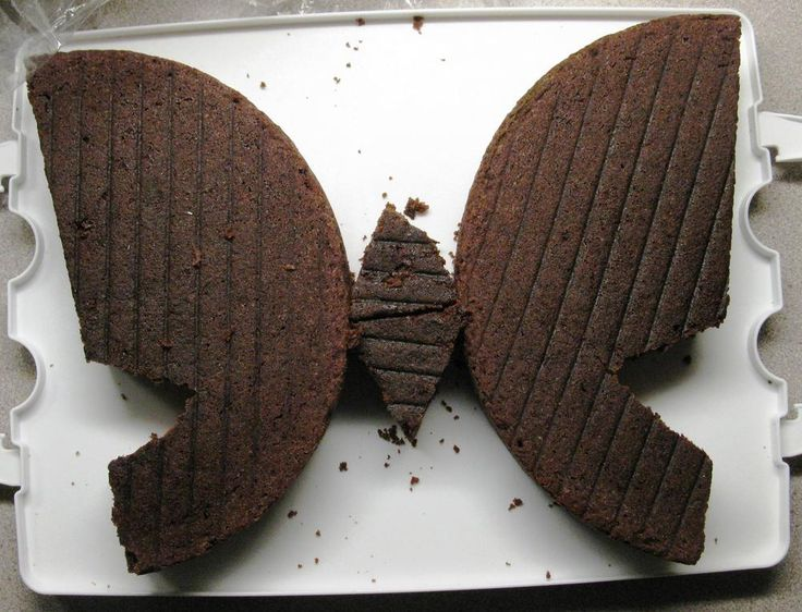 Butterfly shaped cake - so easy!