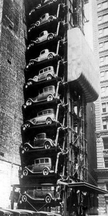 Chicago ascensor coche c. 1936. *** Esta sería una buena idea para los aparcamientos de la ciudad lleno de gente en el 2015! ***