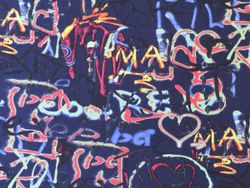 Tissu Viscose / Elasthanne Imprimé Graffiti