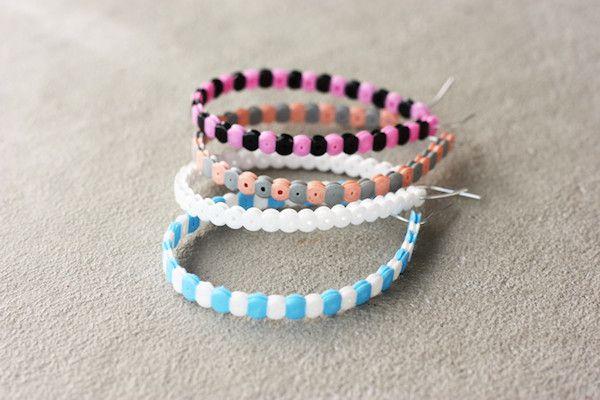 Manualidades para niños: pulseras de hama beads