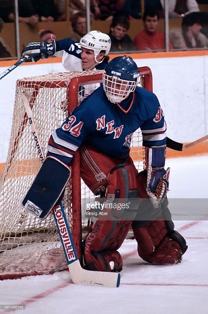 john-vanbiesbrouck-of-the-new-york-rangers-prepares-for-a-shot-the-picture-id461486542 (679×1024)