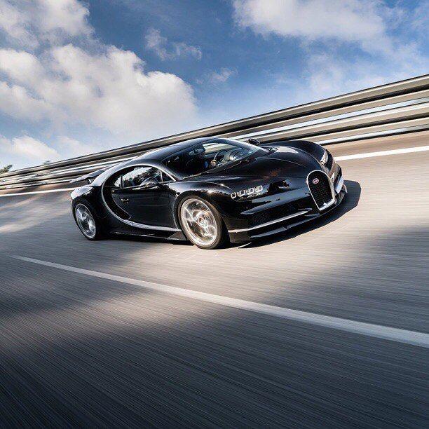 #motorsquare #dream4you #oftheday : #Bugatti #Chiron  what do you think about it? #car #cars #carporn #auto #cargram #exotic #wheels #speed #road #dream #ferrari #ford #honda #mini #nissan #lamborghini #porsche #astonmartin #audi #bmw #mercedes #bentley #jaguar #lexus #toyota