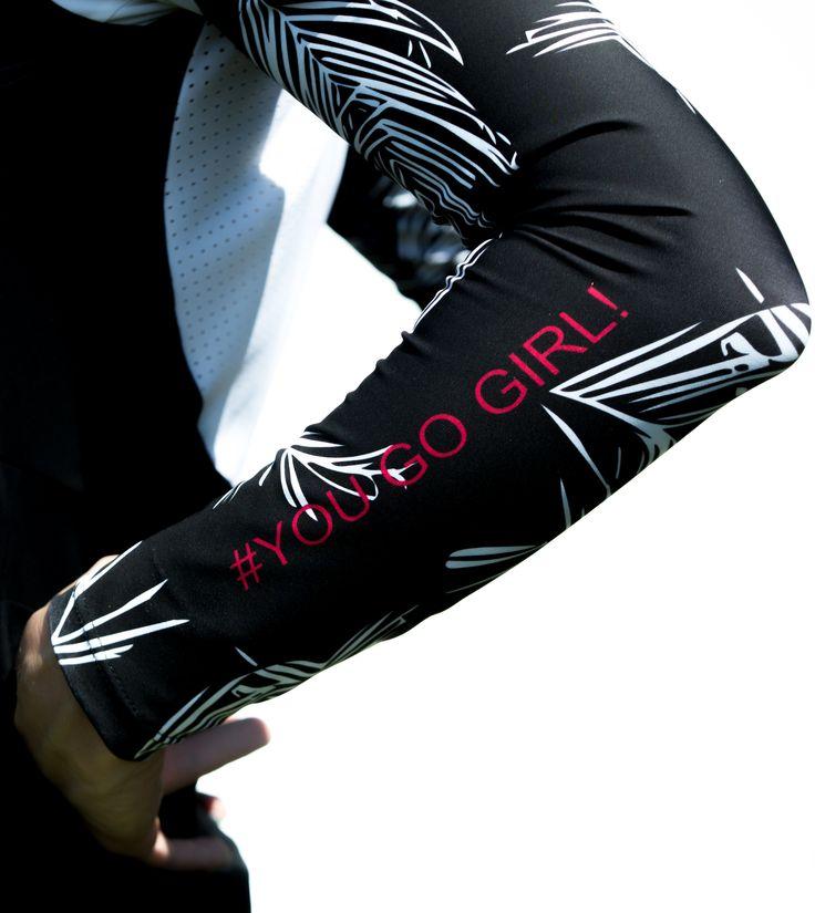 Arm warmes made of super warm fabric ! #armwarmers #cyclingkit #cycling #yougogirl #bikefashion #cyclingfashion