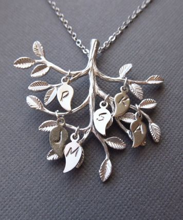 How cute is this?!?  Personalized Family Tree Necklace Initial Necklace