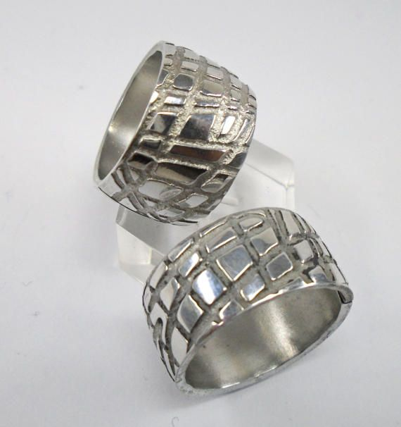 Anello in alluminio con finitura a maglia con di 13AlGioielli