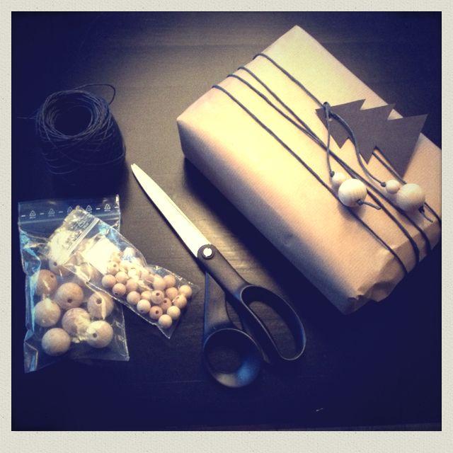 Minimal christmas gift wrapping...