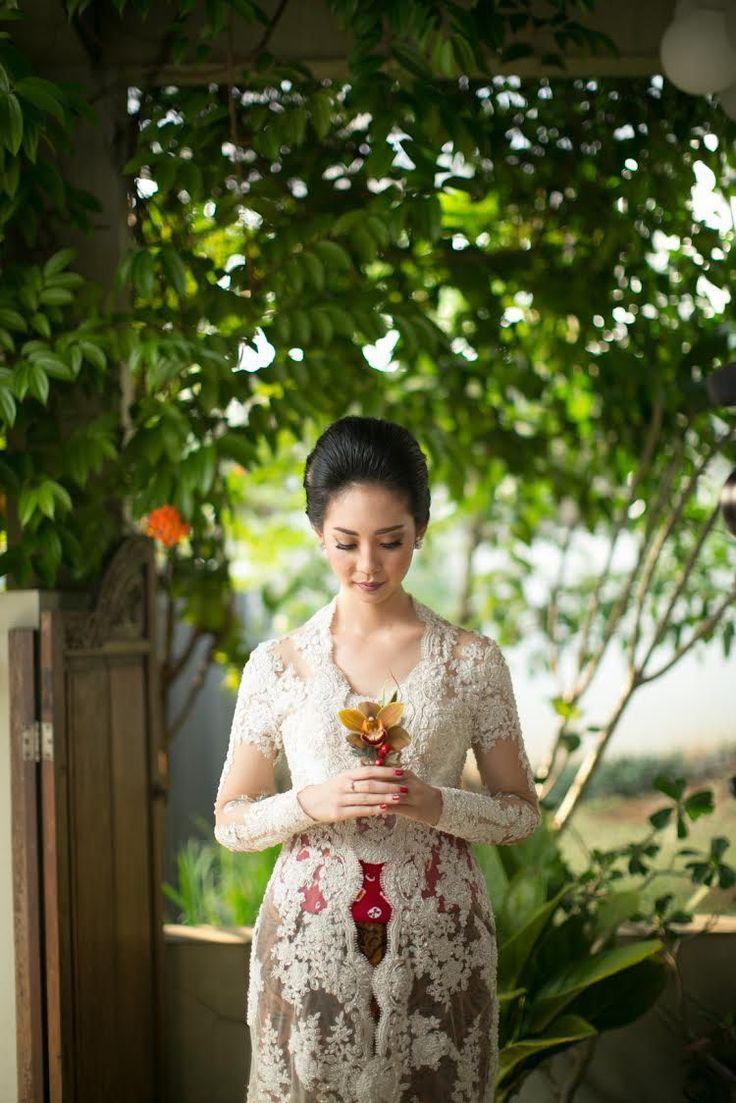 Pernikahan Tema Rustic dan Vintage di Rasa Restaurant - Rani