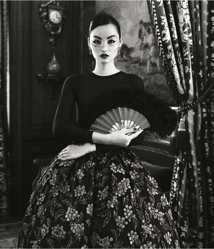 Une Journée à Paris: Miao Bin Si by Yin Chao for Harper's Bazaar China, October 2012