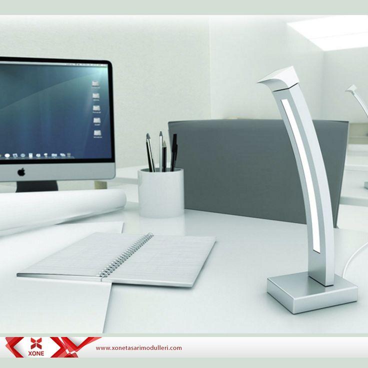 Kullanıcıya fiziksel ve ışık değerleri bakımından esneklik sunan ofis masa aydınlatması olan Curve, Fatma Köstekli tarafından tasarlanmıştır.