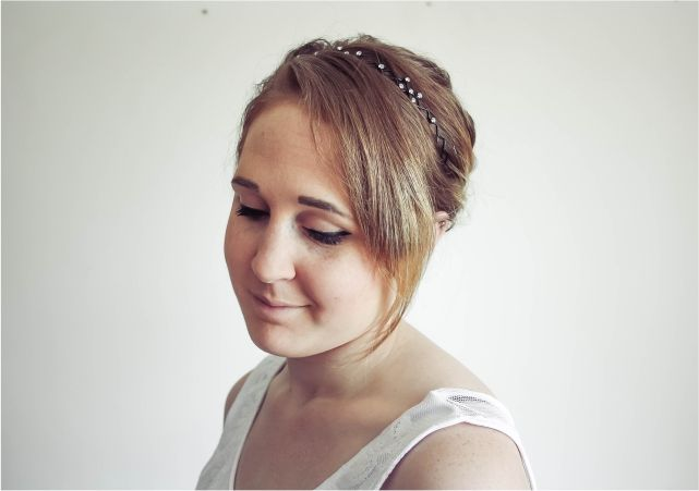 Easy Headband Updo #beauty #beautyblogger #beautyblog #bblogger #bblog #hair #bob #shorthair #hairstyle