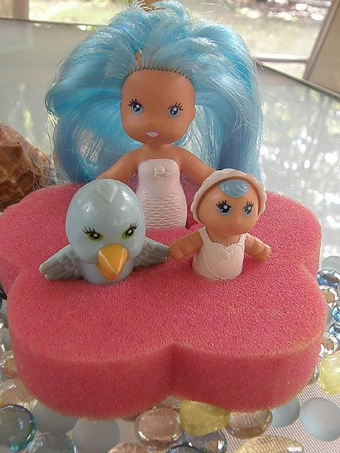 Sea Wees by Kenner. I loved these when I was a kid. Pictured are Tropigals Camille, Baby Cascade and Pelly with sponge.